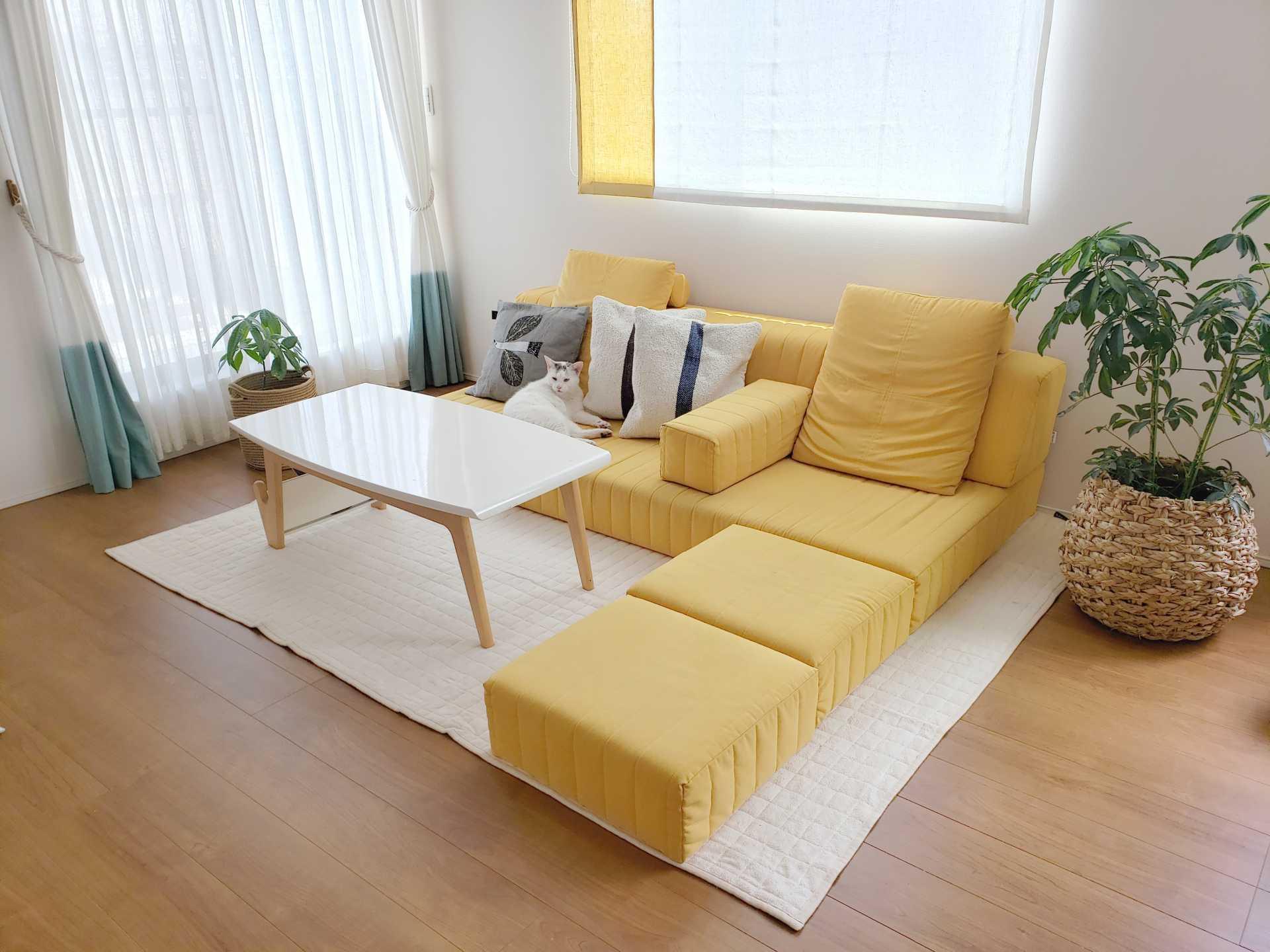 イエローのソファでお部屋を明るい印象に!【国産ローソファ・フロアソファ専門店HAREM】